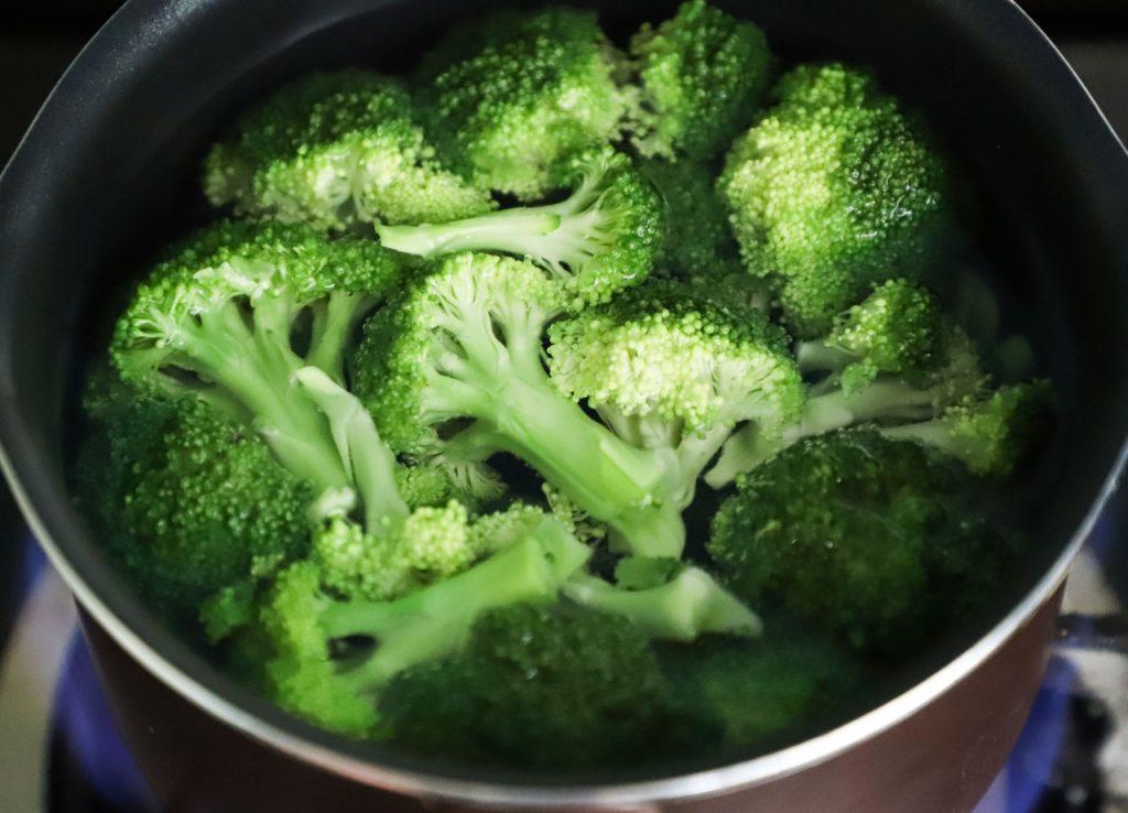 bowl of sliced brocolli